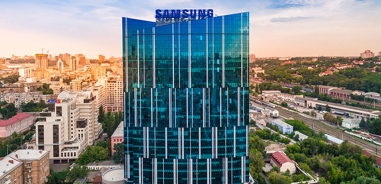 Samsung's new record.  The company spent $ 8.9 billion on research and development in six months